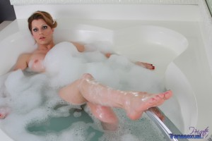tranny babe taking a bath